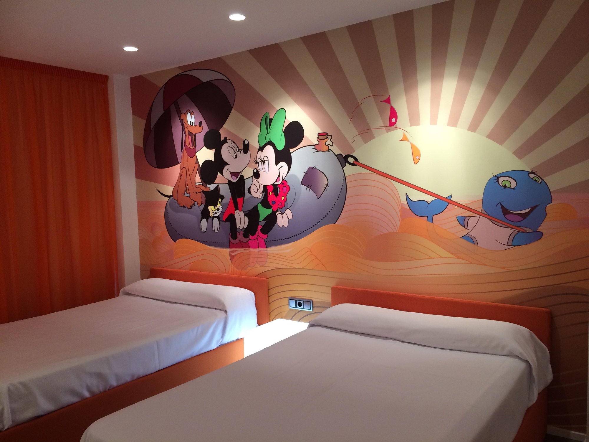 Habitaciones tem ticas infantiles del hotel acuazul - Habitaciones infantiles disney ...