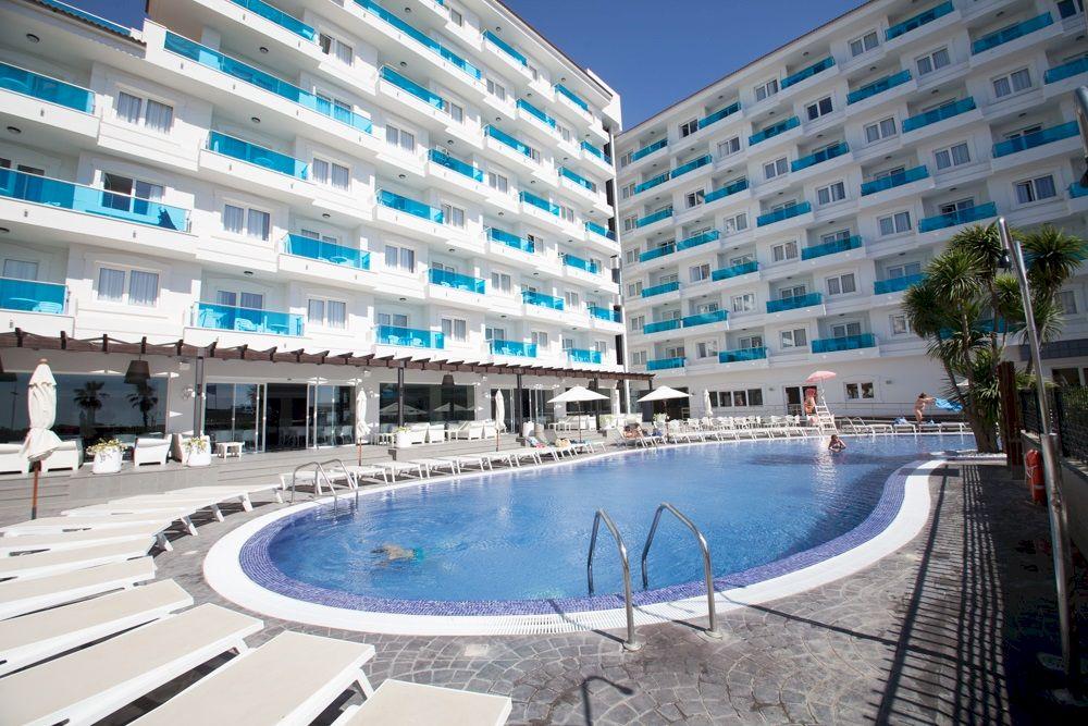 Hoteles con piscina en Peñíscola - Acuazul