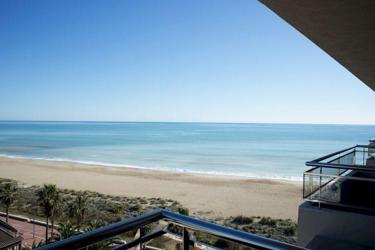 Aparthotel primera linea de playa de Peñíscola - Acualandia