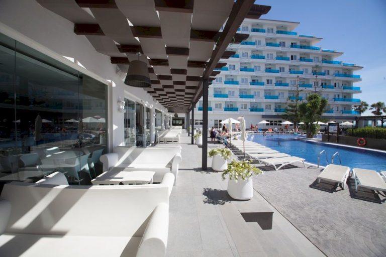 Hoteles 4 estrellas con piscina en Peñíscola - Acuazul