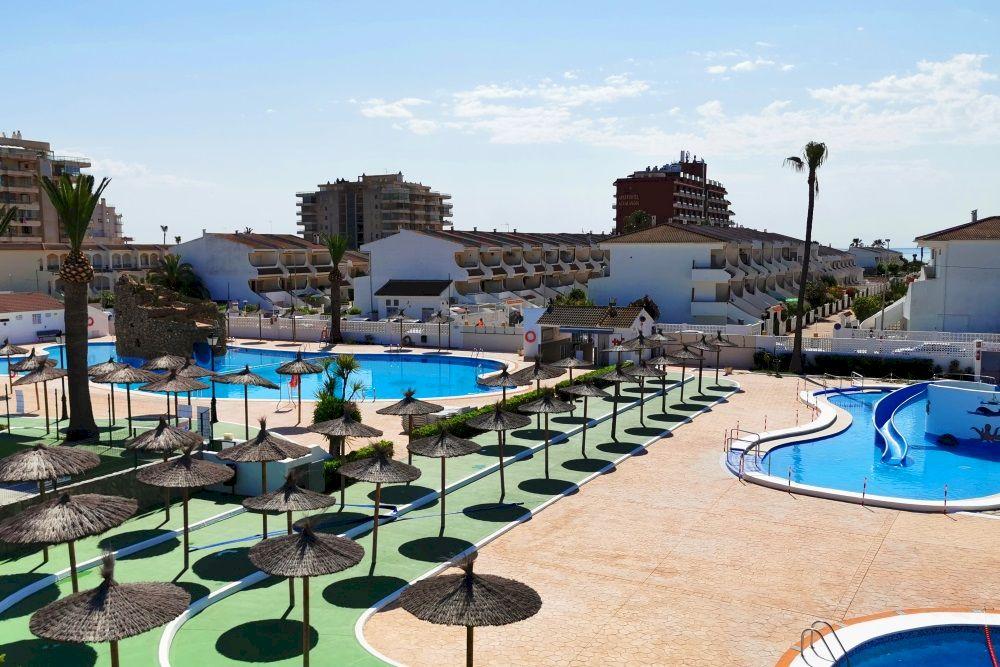 Aparthotel en Peñíscola con piscinas - Acualandia