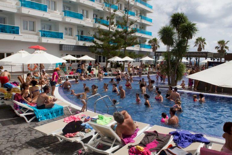 Hoteles en Peñíscola con piscinas exteriores - Acuazul