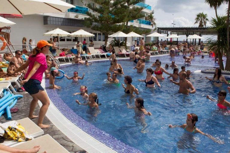 Hotel en Peñíscola con actividades acuáticas - Acuazul